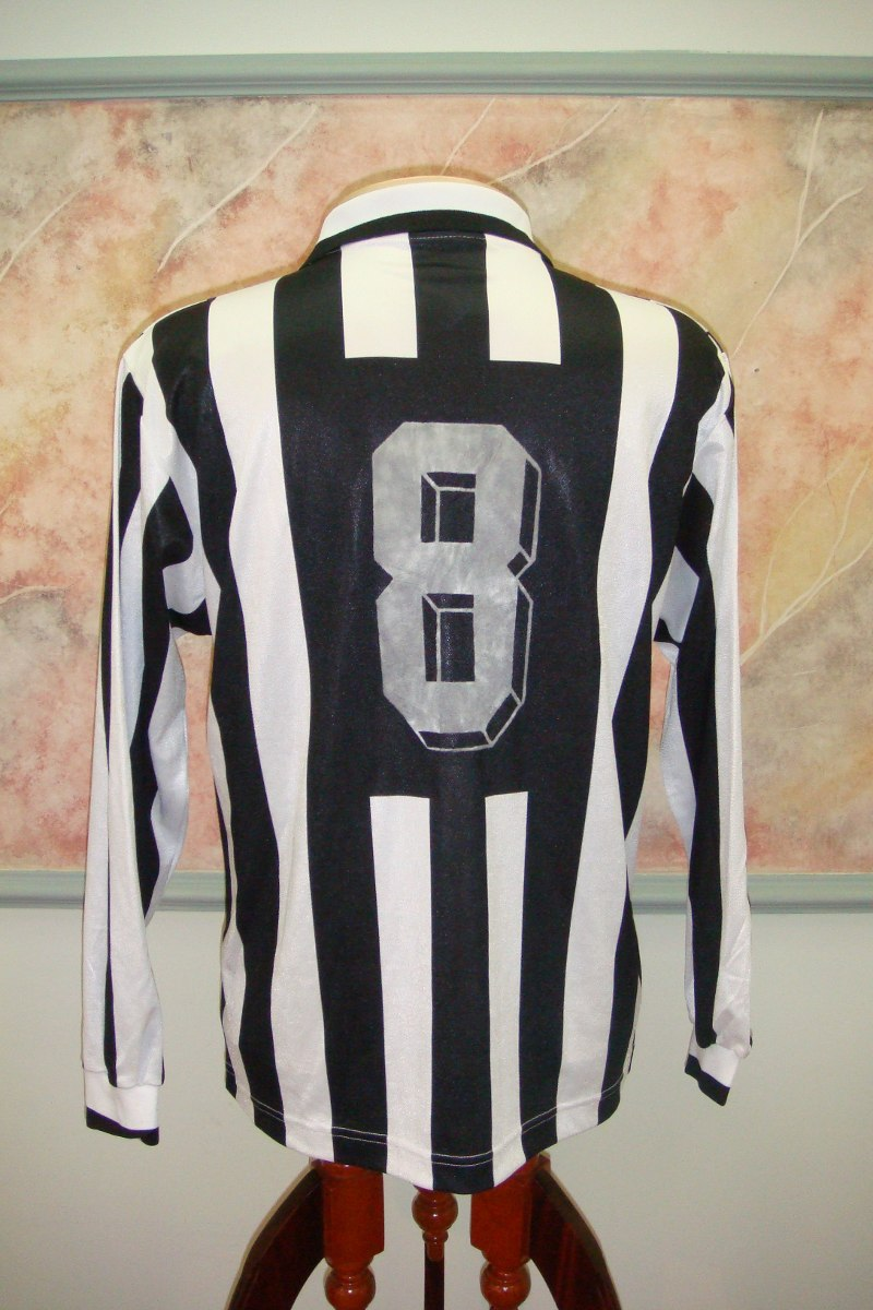 Carregando zoom... camisa futebol juventus turim italia kappa juventus 555 be256e2414e84