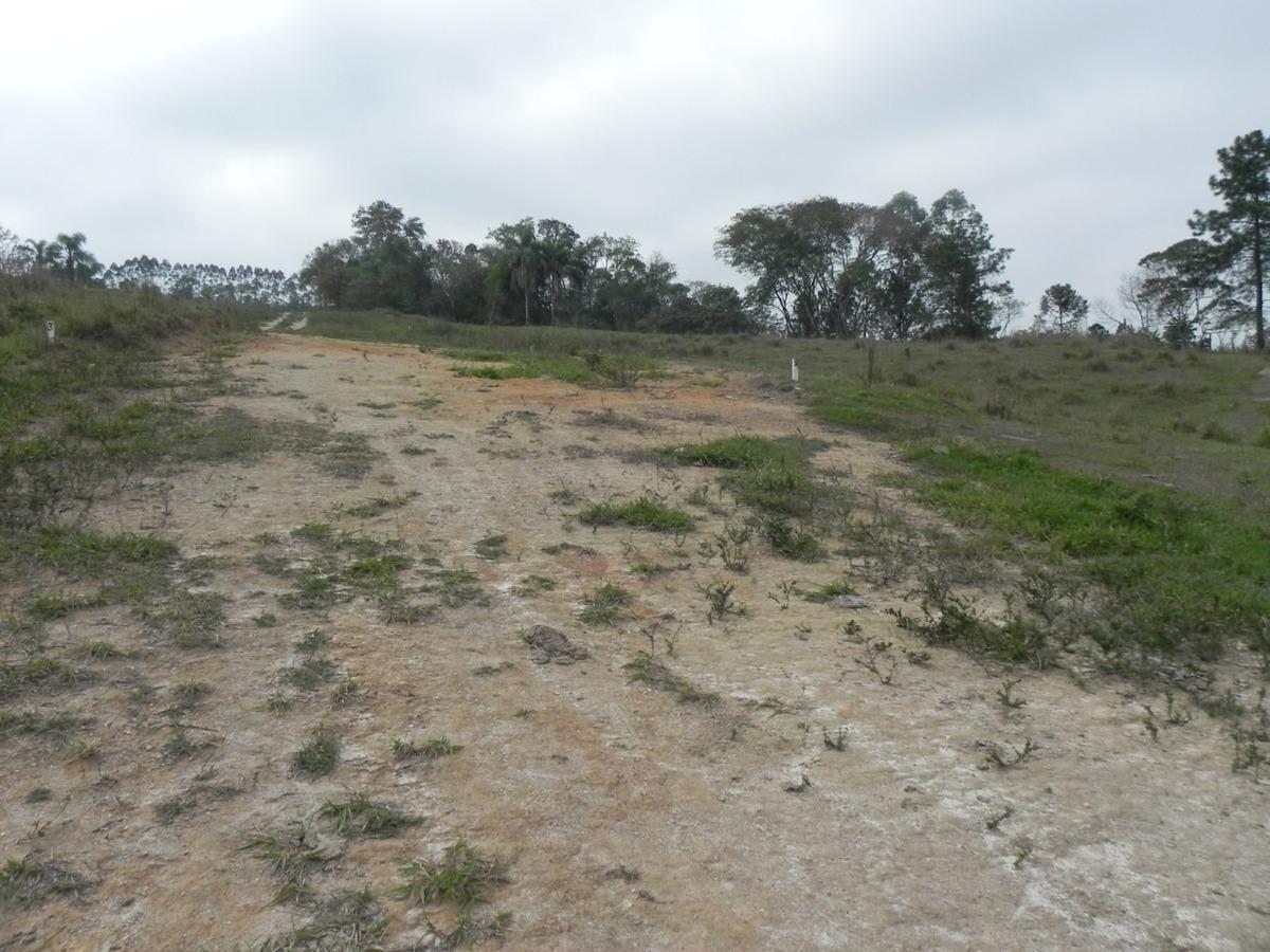 (k.a) 700m² localizados em guararema excelente região