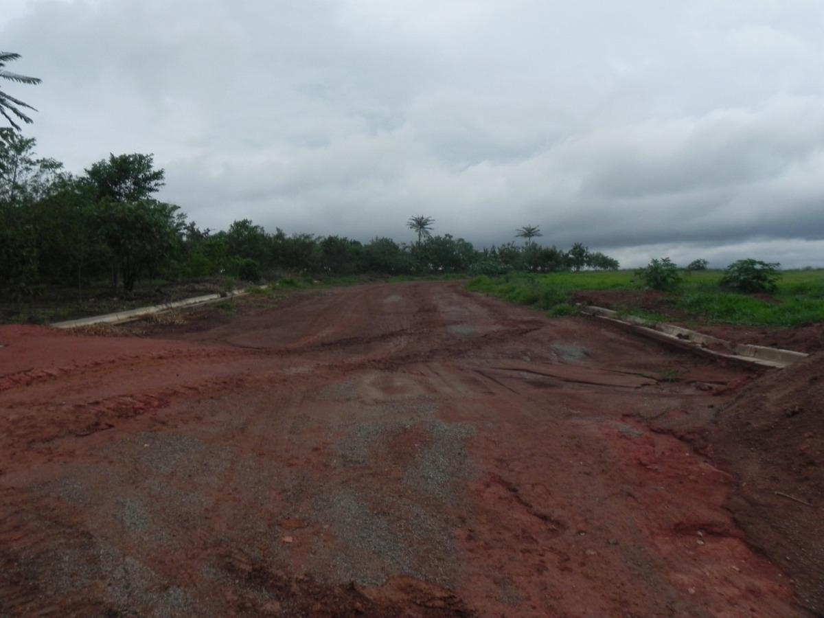 (k.a) acesso asfaltado local todo demarcado e murado