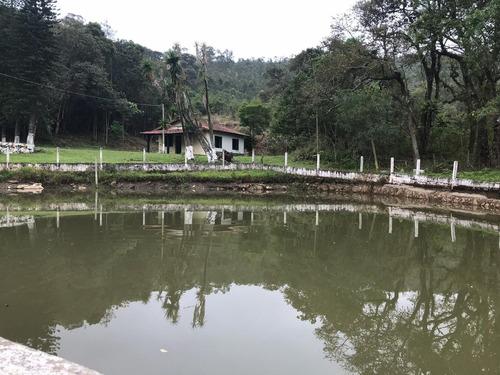 (k.a) linda chácara em condomínio, com lago de frente