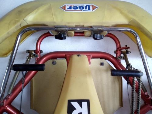 karting chasis con butaca y neumáticos