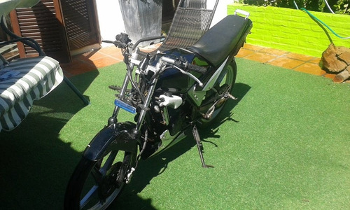 kawasaki magnum ar80. moto. con carenado incluido.