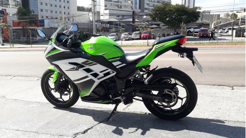 kawasaki ninja  300 abs 2015 c\ 11.800 km toda original