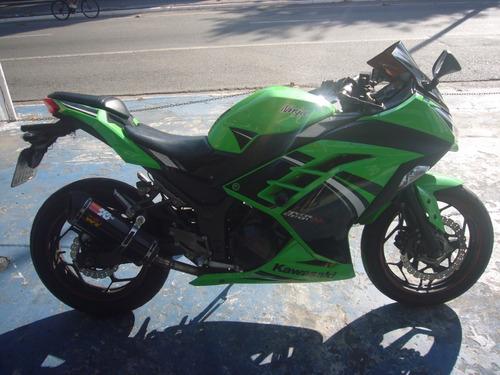 kawasaki ninja 300 com abs verde ano 2014 troca financia
