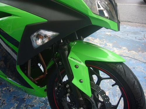 kawasaki ninja 300 r abs verde acessorios troca financia