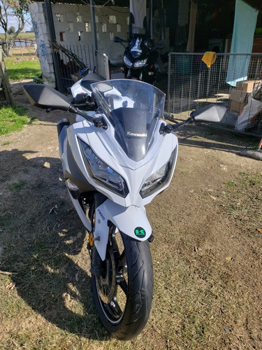 kawasaki ninja 300 vendo o permuto (solo motos)