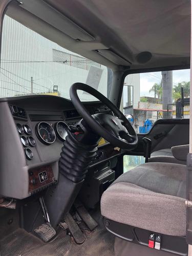 kenworth camión con poligrapa