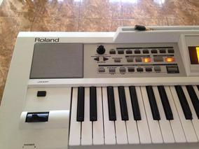 Keyboard Roland E09w Profesional Piano