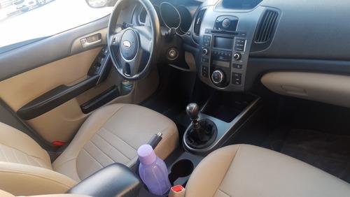 kia cerato 1.6 ex 4p 126 hp 2011