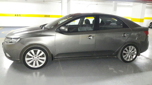 kia cerato 1.6 sx manual dh ac dab abs 2013