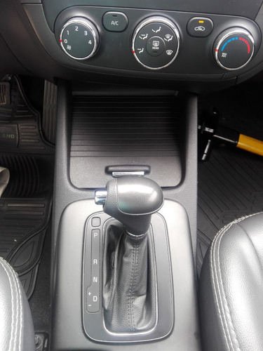 kia cerato 2013 automático