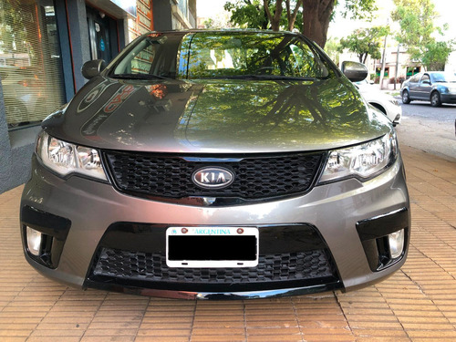 kia cerato koup 2.0 6ta impecable - canje financiacion