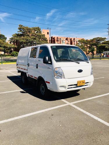 kia con doble 4x4  2700 diesel 4 puertas