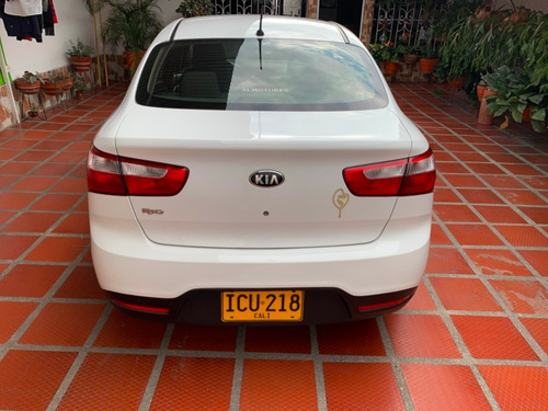 kia rio 1250cc blanco 2015