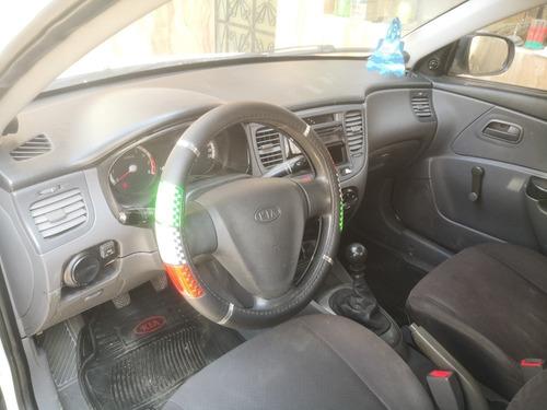 kia rio 2010 para taxi