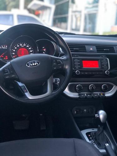 kia rio 2015 ful hatchback 4 5 puertas impecable como nuevo