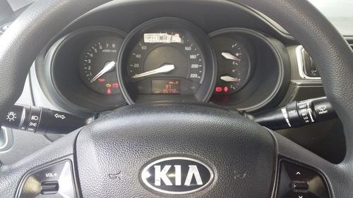 kia rio 2,017