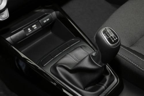 kia rio 2020 hatchback negro mecánico nuevo medellín