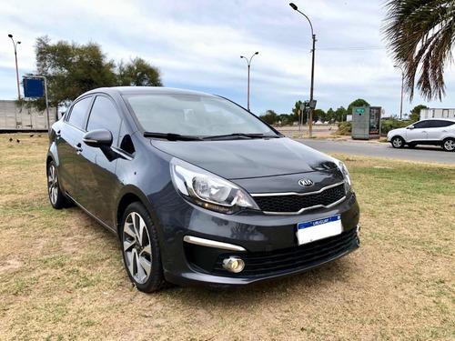 kia rio ex sedan unico dueño ficha service permuto financio