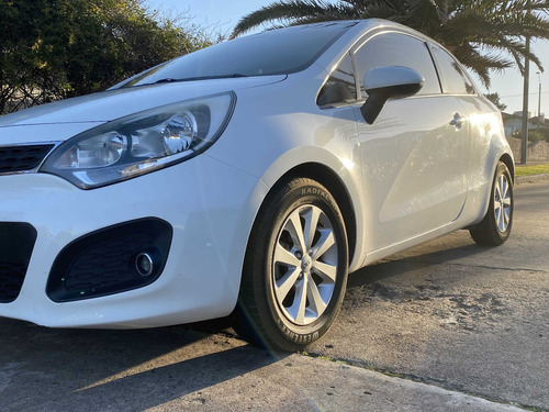 kia rio / extrafull / hatch / 3p / 1.4 / 6mt / impecable!!!!