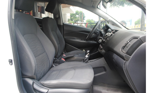 kia rio sedan full equipo