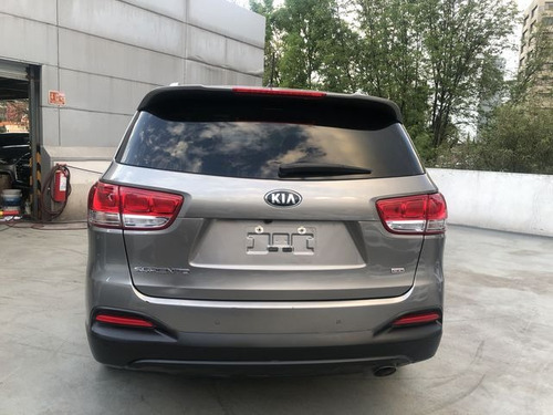 kia sorento 2.4 lx at  7 pas.  2018