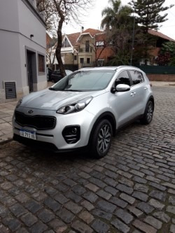 kia sportage 2017 , at ex 2.0 . 28000 kms impecable .