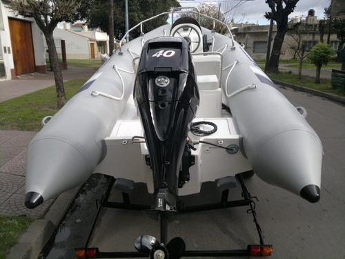 kiel 4,6 mts full con mercury 40 hp 4 tiempos ecologico