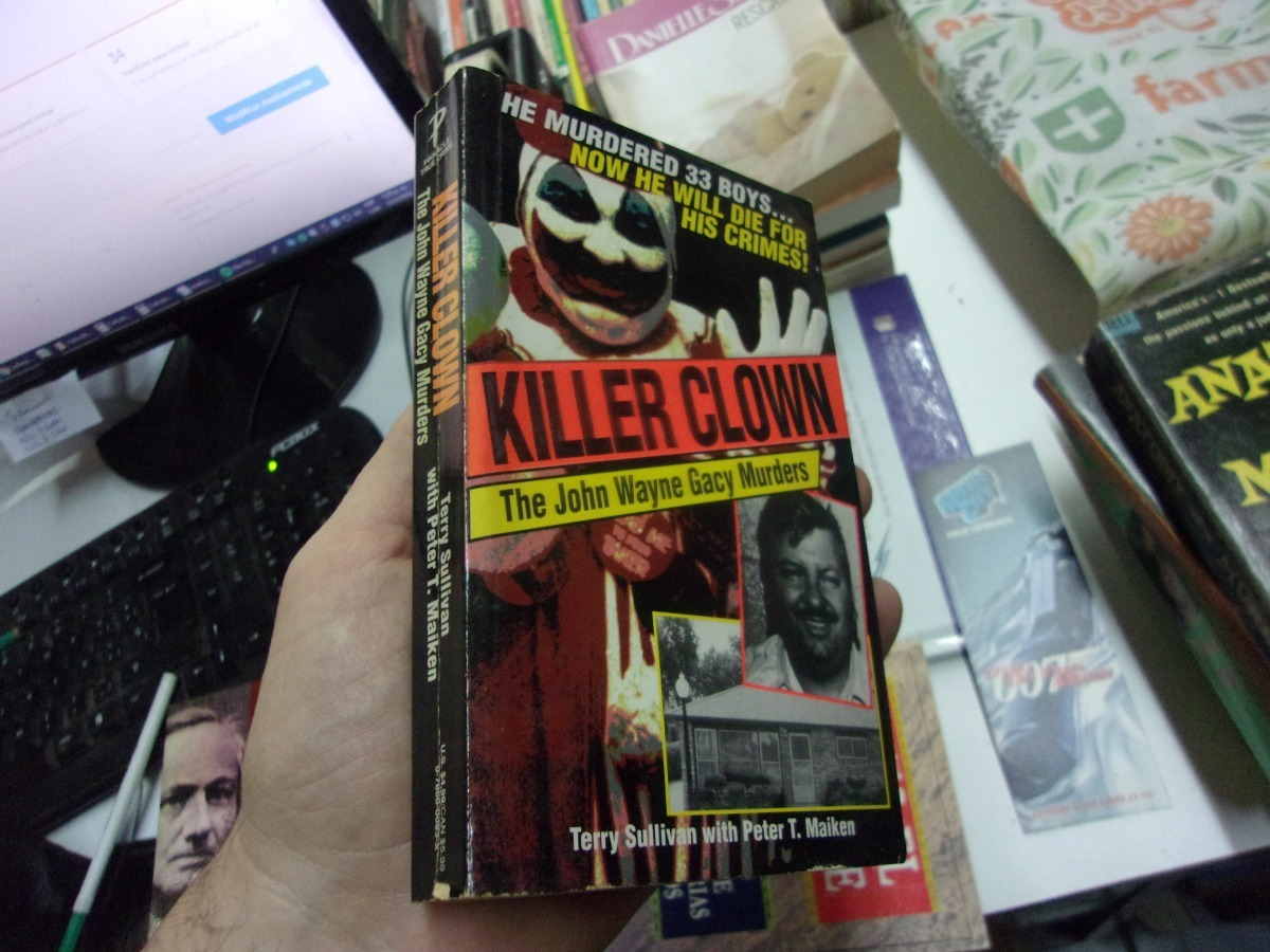 Killer Clown Book