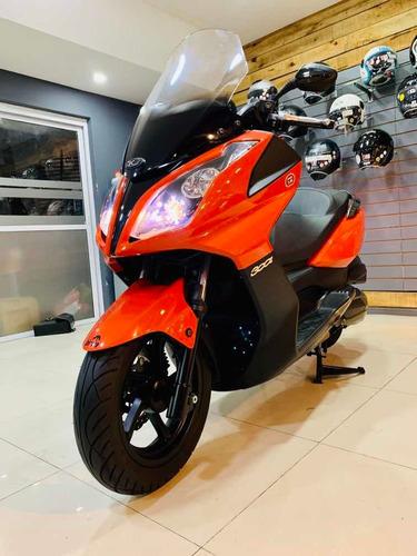 kimco down town 300i, no tmax, scooter 300, no honda, no gs