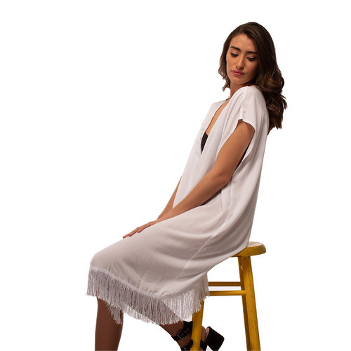 kimono blanco con flecos