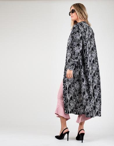 kimono midi negro con palmeras