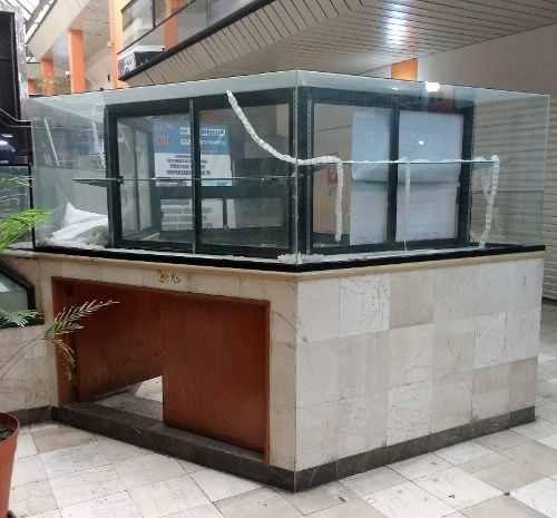 kiosko-isla en venta dentro de plaza comercial