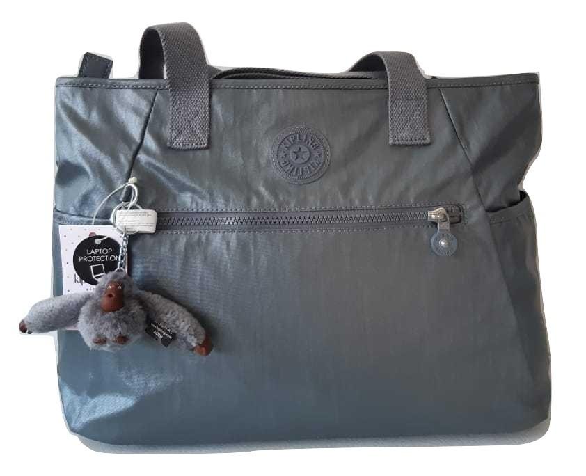 a40c1e1ca kipling bolsa para laptop lizabeth gris metálico original. Cargando zoom.