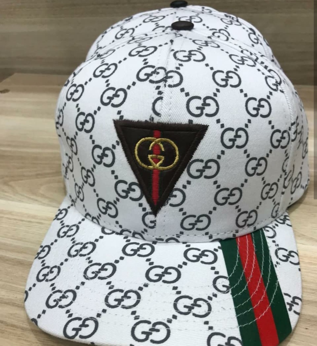 ebe41f414f699 Kit 10 Bonés Da Marca Gucci Atacado Para Revenda