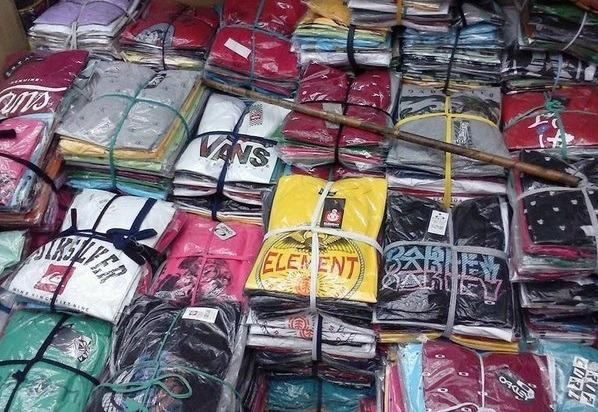 a0a62e7d6 Kit 10 Camisetas Blusas Masculina Varias Marcas Revenda - R  139