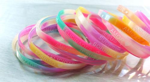 kit 12 pulseiras da amizade coloridas brilha no escuro