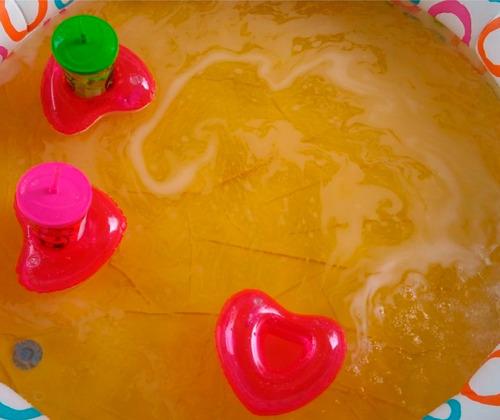 kit 15 boias porta copo coração inflável barato piscina