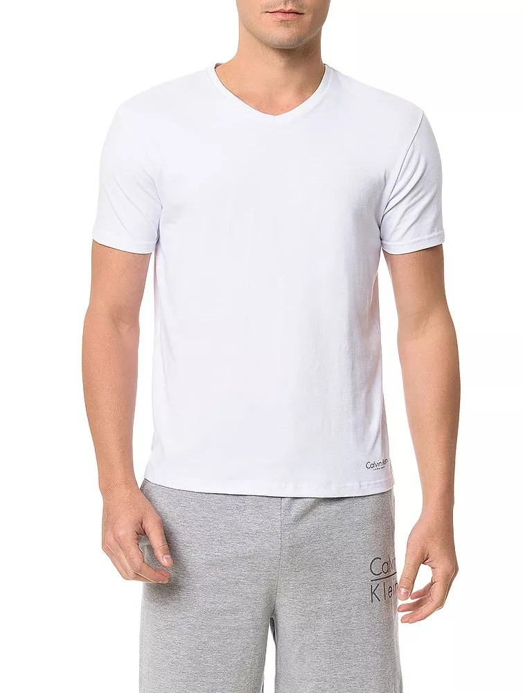 6565cc166a516 kit 2 camisetas de cotton calvin klein underwear gola v pret. Carregando  zoom.