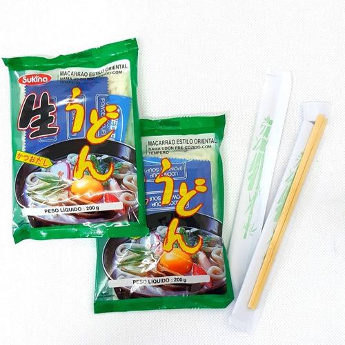 kit 2 macarrão japonês udon pré-cozido com tempero +2 hashi