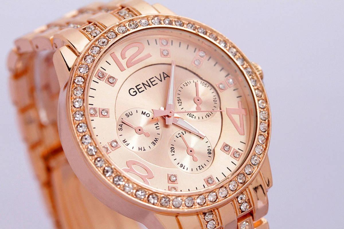 dd039c8b51a kit 2 relógios feminino geneva luxury c  strass frete grátis. Carregando  zoom.