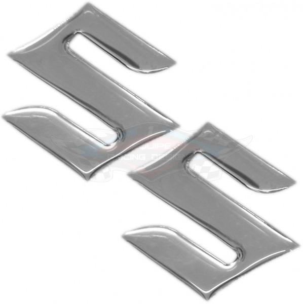 Kit 2 S Suzuki 4,5 X 4,5 Cm Cromado Resinado -alto Relevo - R$ 24,99