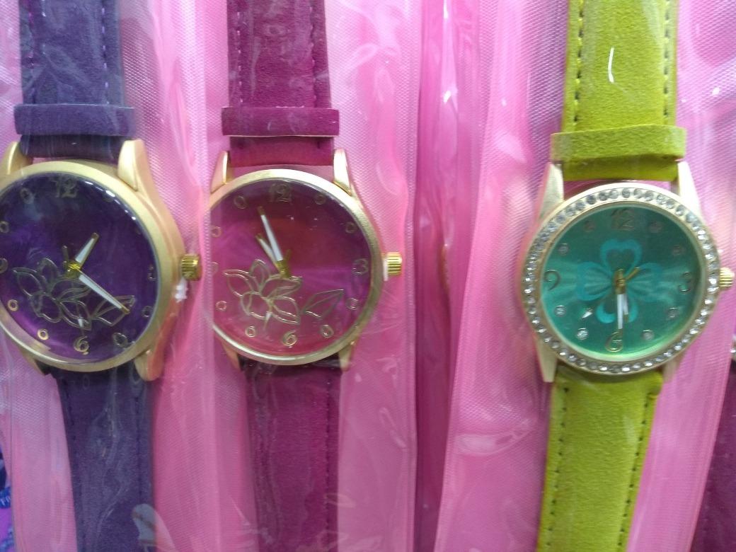 43a7c49d0b9 kit 20 relógios fem masc + caixas - revenda preços baixos. Carregando zoom.