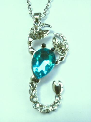 kit 3 lindos colares pingente  escorpião  roxo azul incolor