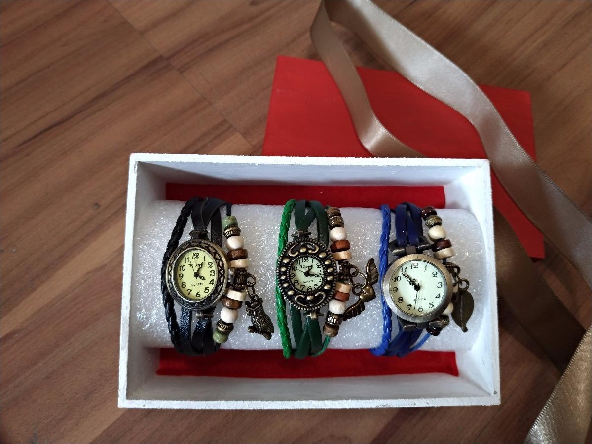 edc8bf6cb89 Kit 3 Relógios De Pulso Vintage Feminino Em Couro + Brinde - R  70 ...