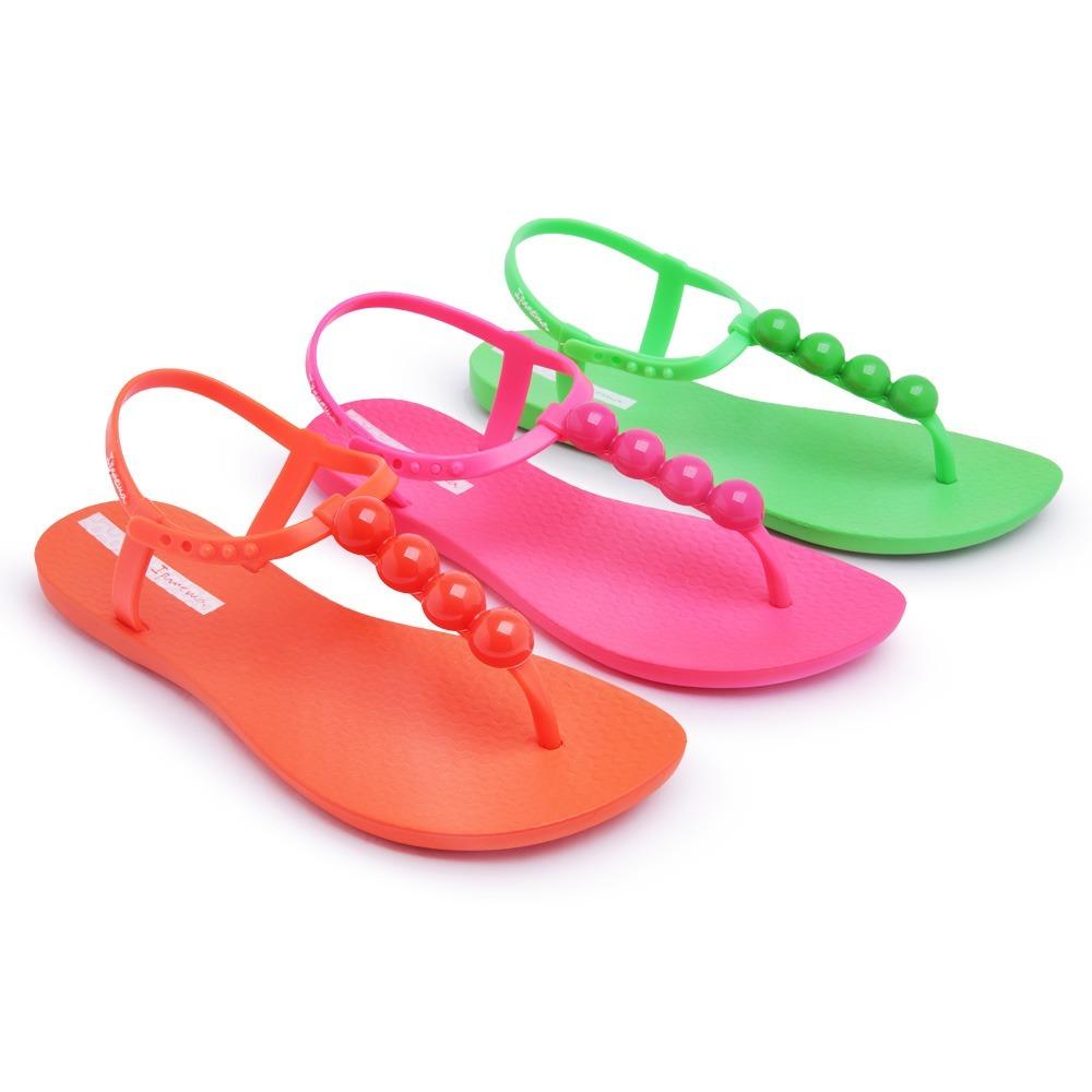 abc5a623a0 kit 3 sandálias rasteira ipanema neon fluorecente carnaval. Carregando zoom.