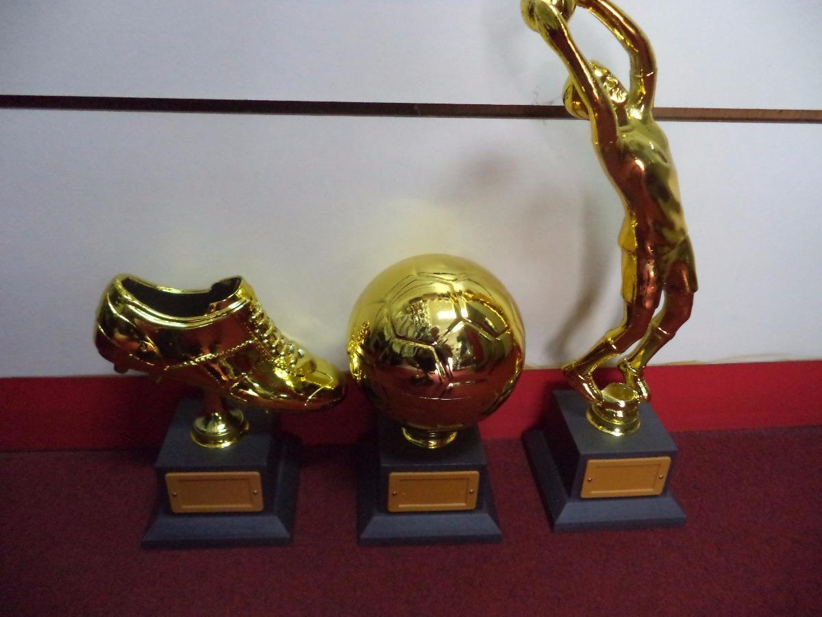 0a6ee7e5f7539 Kit 3 Troféus (chut.ouro 20 Cm bola Ouro 21 Cm goleiro 40cm) - R ...