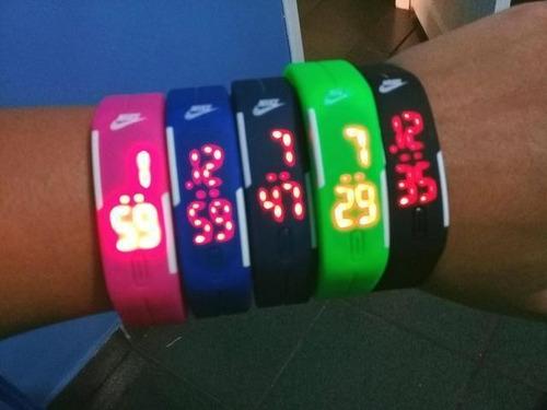 kit 30 relógios nike pulseira led watch man/2 baterias