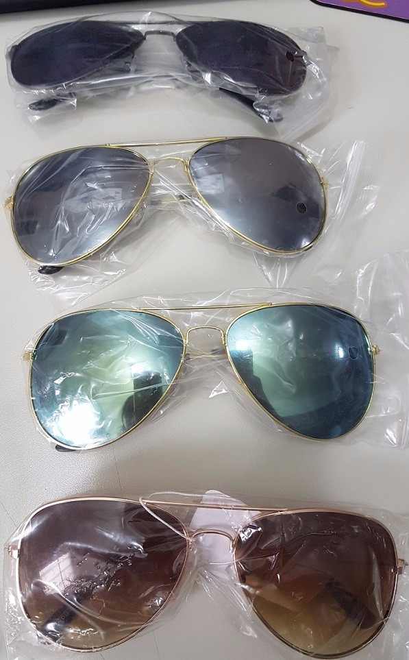 3593065641a09 kit 5 oculos sol aviador unissex sem marca atacado revenda · oculos sol  marca. oculos sol marca · sol marca oculos. sol marca oculos. 6 Fotos