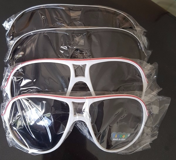 134718e1b0d8b Kit 5 Óculos Sol Infantil Redondo Colorido Preto Atacado - R  50,00 ...